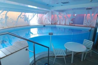 プール部屋