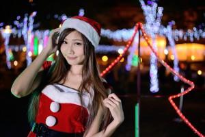 【25枚】クリスマス前に見つけたいエロサンタコスプレ娘【画像集】