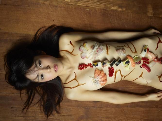 2016年「女体盛り(NYOTAIMORI)」ブーム到来